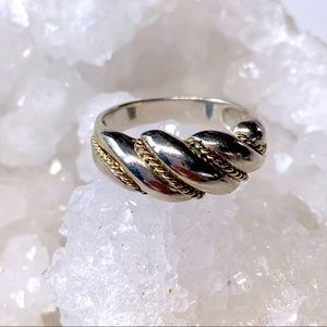 SLEEK TWO TONE SILVER GOLD RING SIZE 7
